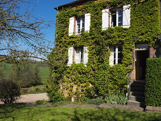 charming farmhouse in Normandy (calvados), 4 bedrooms up to 9 persons, Crouttes