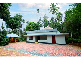 Chilla homestay.The Coffee valley cottage.3 BHK service villa