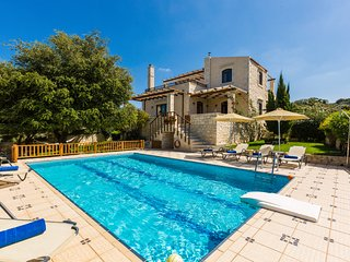 Villa Eleftherna - Stone Made Luxury Villa