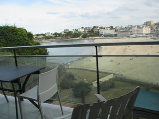 Beau studio de 32 m2 avec balcon de 15 m2 vue mer (507), Dinard