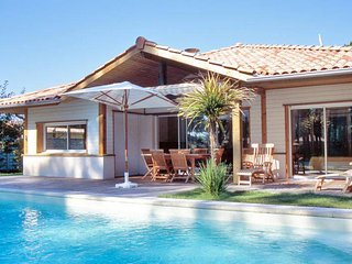 La Prade, Moliets, villa with private pool, sleeps 10, Moliets et Maa