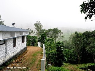 Thushaaram Holiday Home