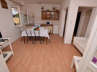 Apartments Dešković - 25271-A2, Jelsa