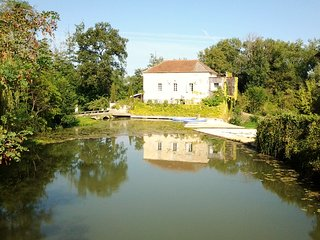Le Moulin de Neuffons near Monsegur, Gironde France