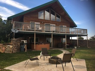 Night Sky 5 BR Mountain Chalet, Stunning 5 Bedroom including the Loft!
