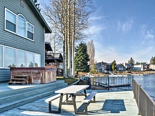Waterfront 4BR Lake Tahoe Home w/Private U-Dock!, South Lake Tahoe