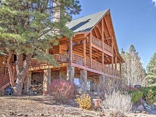 NEW! Inviting 3BR Flagstaff Cabin w/Alpine Views!