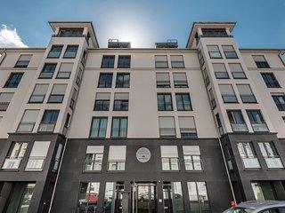 4 Zi. Dachgeschoss Wohn. f. 10 Pers., Múnich