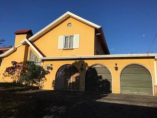 Habitaciones en casa tipo Colonial, Santo Domingo de Heredia
