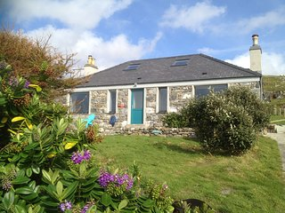 Sea View House, Isle of Harris, 5 star, Sauna/Double Jacuzzi/Sea Front/Beaches, Leverburgh