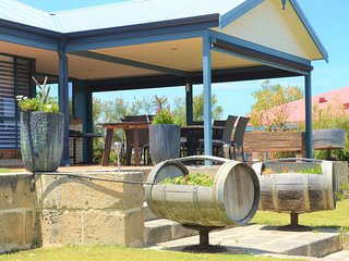 Malbec Rise  - Quality Accommodation, Guilderton