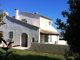 House in Walking Distance to Uzes
