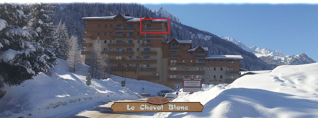 "O apartamento fica no último andar da residência ""Le Cheval Blanc"""