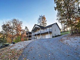 NEW! 4BR Caryville House w/Norris Lake Views!