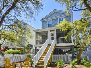 Sea Shellay - Short Walk to Beach with Shared Pool. Call for Specials!, Surfside Beach