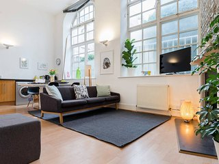 Spacious and Bright 2 Bed 2 Bath in Old Street, Londres