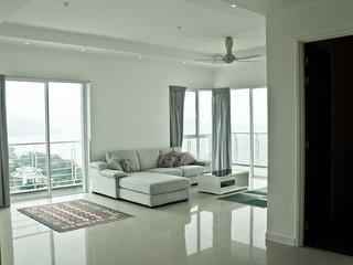 Exclusive Sea-Facing Apartment, Batu Ferringhi