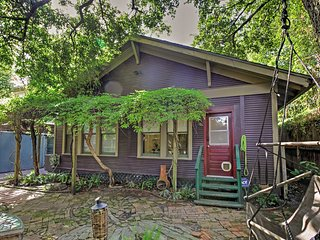 Vibrant Houston House w/ Yard 3 Miles to Downtown!