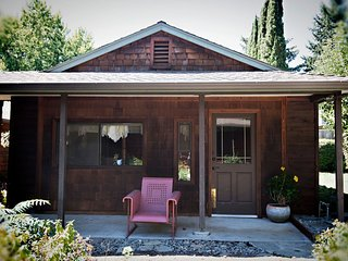 The Cottage at Dunmovin', Grants Pass