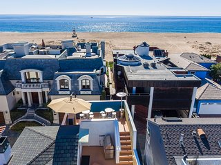 High End Luxury 4 Bedroom - 1 Block to the Beach, Balboa Island
