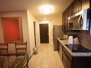 One Bedroom Deluxe Condo - Indoor/Outdoor Waterparks Included