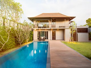 Luxury Villa rentals and Vacation rentals at Phuree sala Phuket Thailand