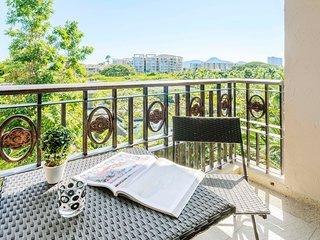 Marrakesh By Favstay | Three Bedroom - Garden View