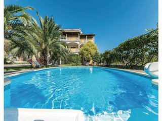 11 bedroom Villa in Biograd, Northern Dalmatia, Croatia : ref 2043911, Duran