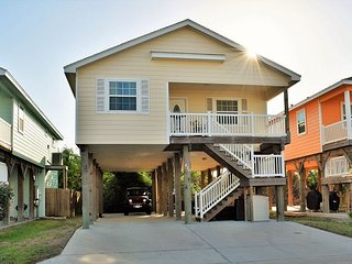 420CW; Beautiful 2 Bedroom 1 Bath home with open floor plan, Port Aransas