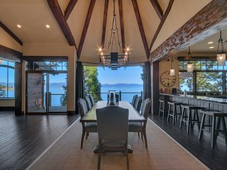 Lakefront home with panoramic views, private dock, pool table - The Gilded Edge