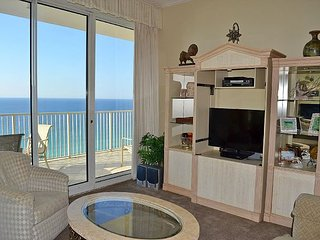 Beautiful Gulf sunset views from your own private balcony in safe Resort, Miramar Beach