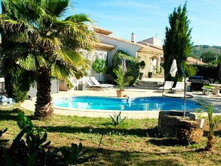 House - 25 km from the beach, Pouzolles