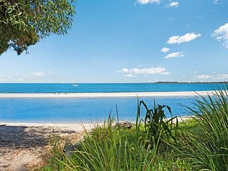 Absolute Beachfront! 41 South Esp, Bongaree