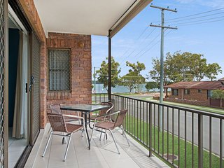 Modern Airconditioned, First Floor Unit with water views-  Welsby Pde, Bongaree