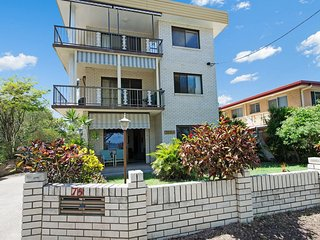 Air Conditioned, Ground Floor Unit - 1/75 Welsby Parade