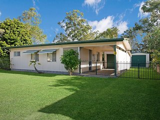 Lowset, pet friendly cottage - 4 Sunset Ave, Bongaree