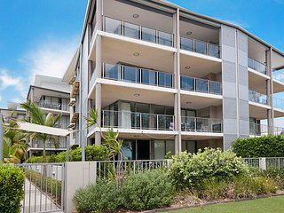 Spectacular Unit Overlooking Pumicestone Passage - 15/133 Welsby Parade