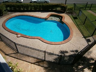 2nd Floor Unit with Water Views and Pool - Karoonda Sands, Bongaree