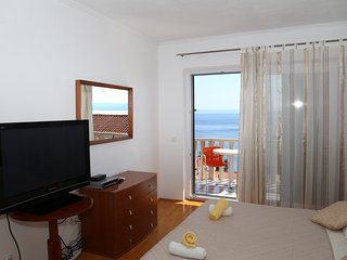 Beautiful Apartment Close to Beach, Brela