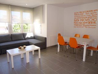 Apart-rent (0061) Apartamento moderno & céntrico en Empuriabrava