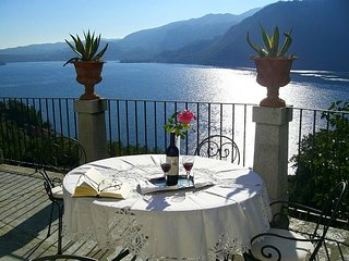 Beautiful 18th century villa with amazing views over Lake Orta!