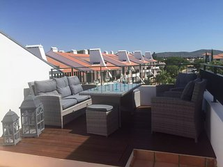 Luxury Portuguese style apartment with private roof terrace