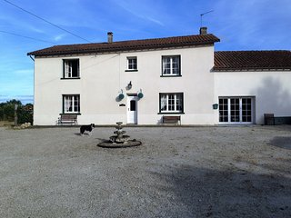 Chateau Chiens, dog friendly cottage in Vienne, Chateau-Garnier