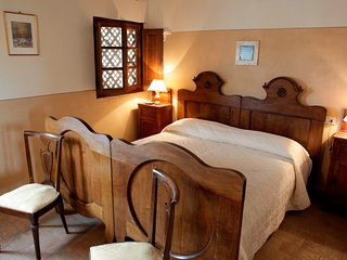 Private room in typical farmhouse - Noce, Montone