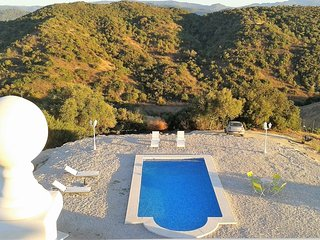 Well-appointed villa with terrace, Fuentes de Andalucia