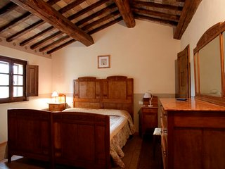 Private room with pool and Wi-Fi - Tiglio, Montone
