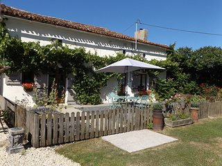 Lime Tree Cottage, Charroux