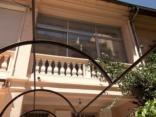 Townhouse 60m² for 4 pers 10 min sea Wifi Parking, Nice