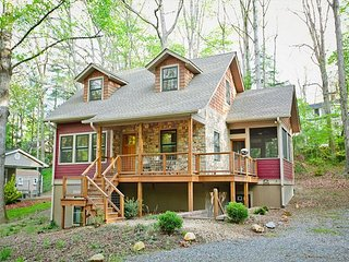 Tulip Cottage   Walking Distance to Black Mountain   Energy Star Rated Home