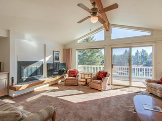 Lakeview and right on the Tahoe Keys, w/ a shared pool, dock two boats!, South Lake Tahoe
